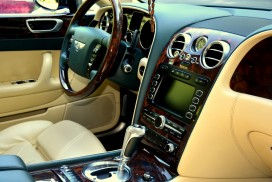 Фото салона Bentley Continental Flying Spur 2008