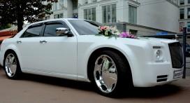 Rolls Royce Fantom белый.