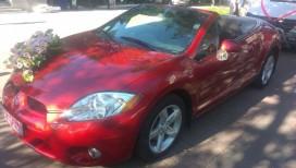 Mitsubishi Eclipse красный.