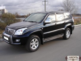 Toyota Land Cruiser Prado черный.
