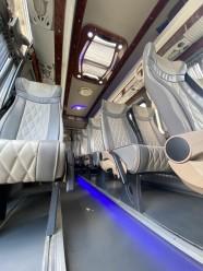 Салон микроавтобуса Mercedes Sprinter
