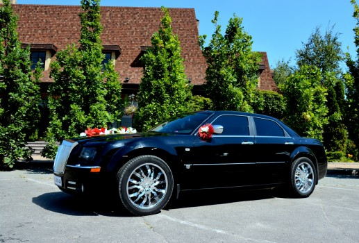 Аренда Chrysler 300C Fantom рестайлинг с водителем