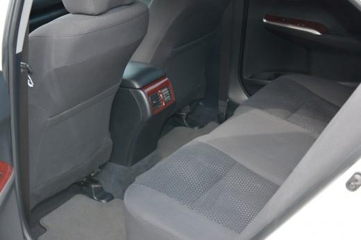 Toyota Camry 50 кузов белая.