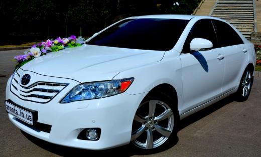 Аренда Toyota Camry с водителем на свадьбу