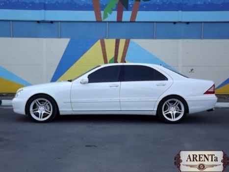 Mercedes S-klass 220 белый.