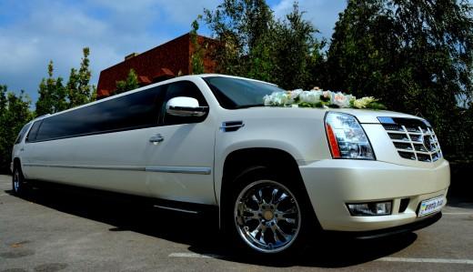 Прокат лимузина Cadillac Escalade в Харькове