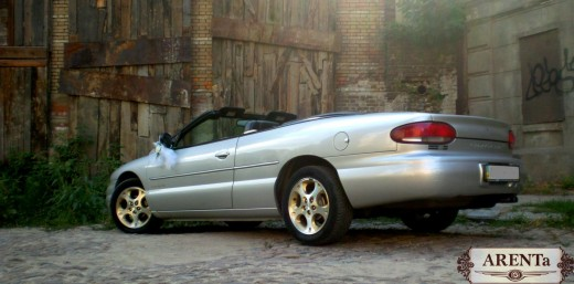 Chrysler Кабриолет серебрянный.
