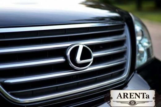Lexus GX черный.