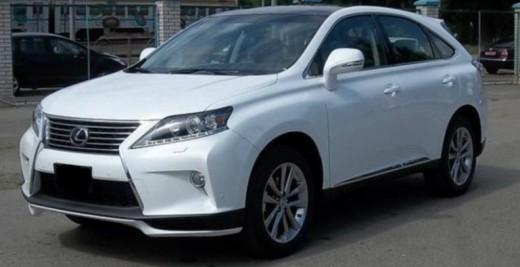 Lexus RX белый.