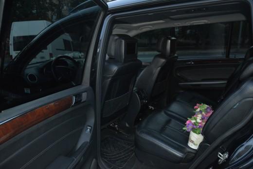 Салон пассажира - аренда Mercedes GL с водителем