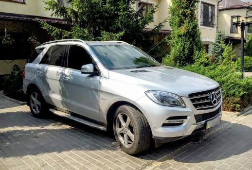 Mercedes Benz ML серебро
