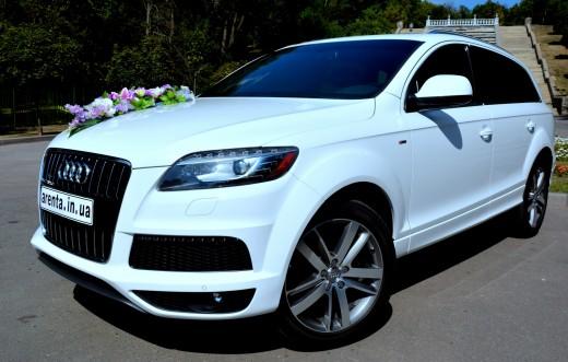 Аренда белой Audi Q7 с водителем на свадьбу