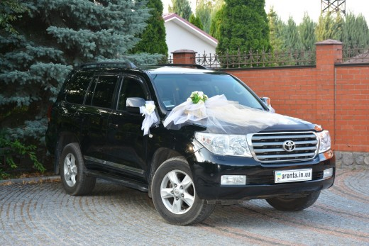 Toyota land cruiser 200 черный.