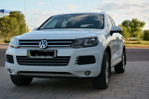 Volkswagen Touareg белый.